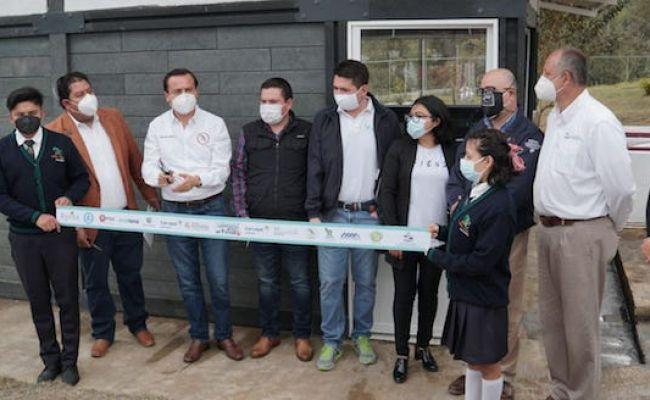 Suma de esfuerzos hace posible inaugurar aula 100% ecológica de CECyTE Xicotepec