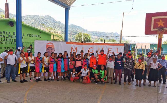 Miguel Márquez Ríos el candidato de las multitudes es recibido en las comunidades de Huauchinango